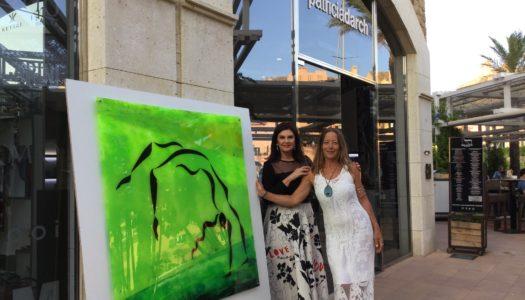 Éxito en la presentación de las obras de Jessica Darch en Sotogrande