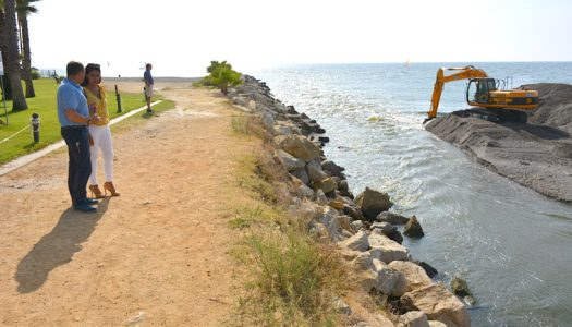 El Consistorio libera por segunda vez en tres semanas la desembocadura del río Guadiaro