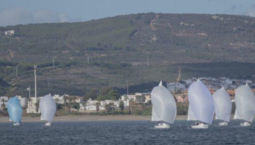 Máxima competitividad en el Circuito J80, en aguas de Sotogrande
